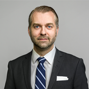 Erik Kjellberg, Chief Compliance Officer